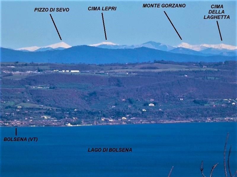 Monti della Laga visti dalle colline del lago di Bolsena