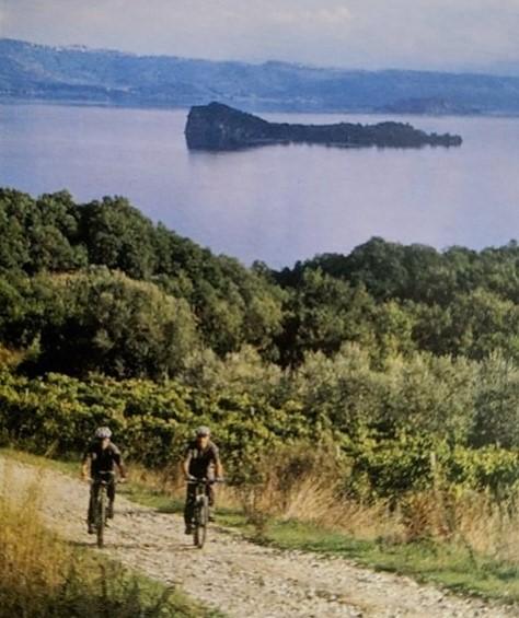 Percorso ciclabile nel Lago di Bolsena