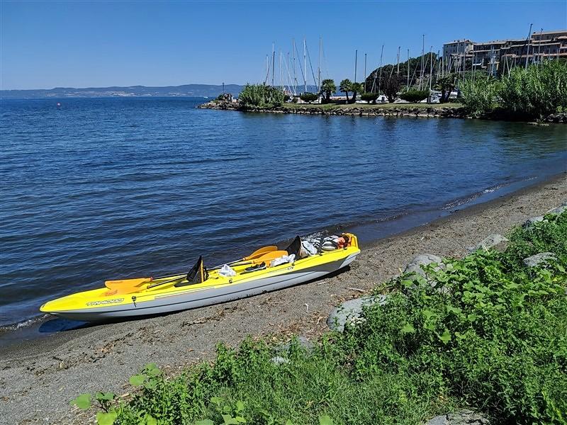 Canoa a Capodimonte sul lago di Bolsena