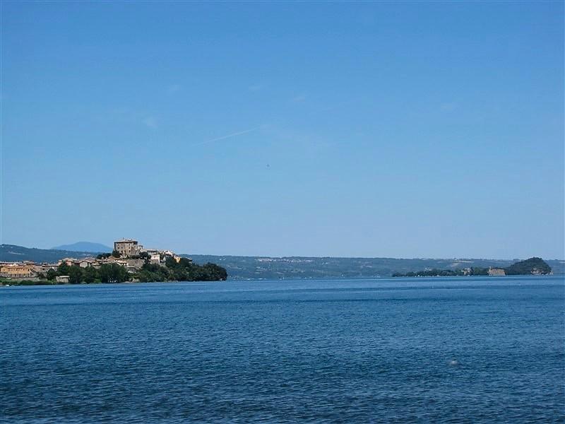 Capodimonte e l'isola Bisentina