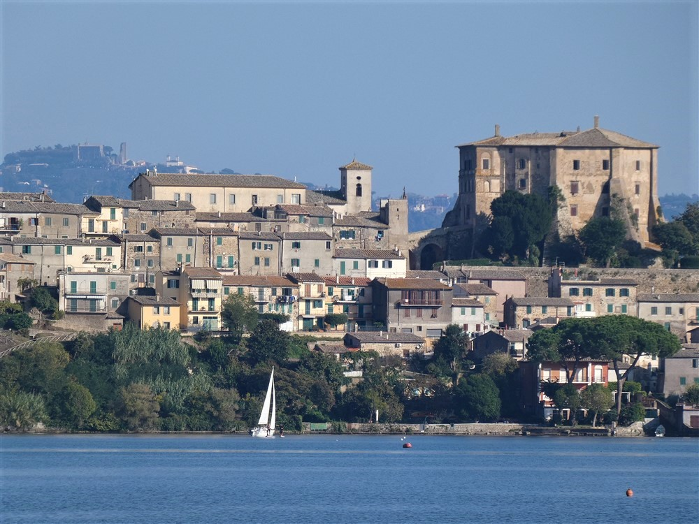 Capodimonte e il lago di Bolsena