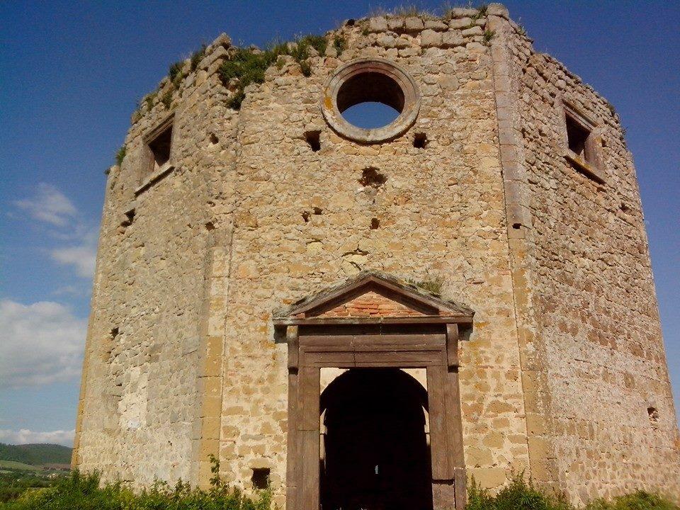Chiesa di San Giovanni a San Lorenzo Nuovo nella Val di lago, Lago di Bolsena