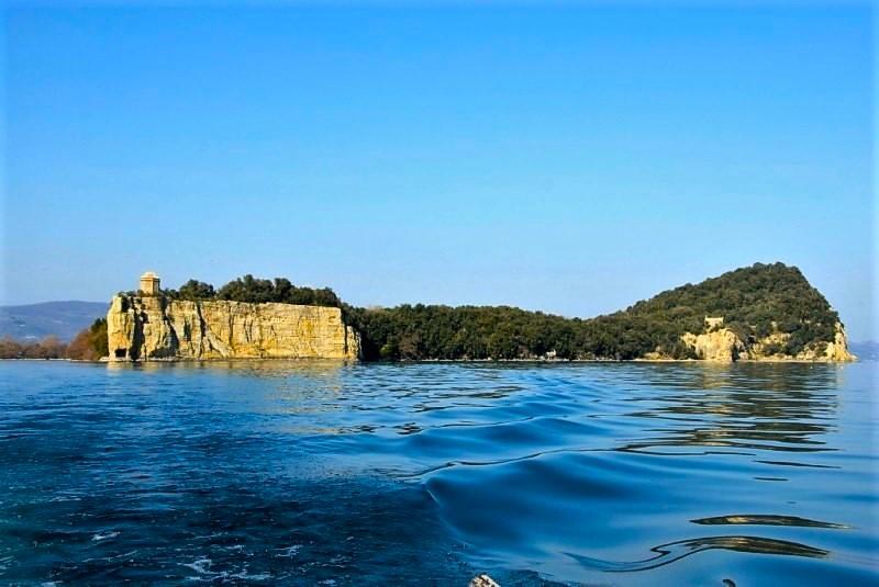 Isola Bisentina nel lago di Bolsena