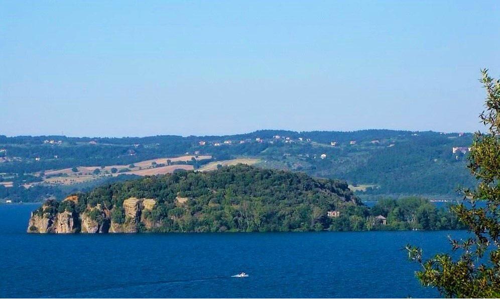 Isola Martana nel lago di Bolsena