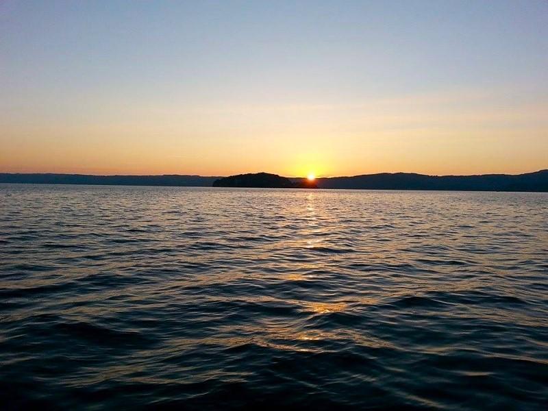 Isola Martana vista dal paese di Marta, lago di Bolsena