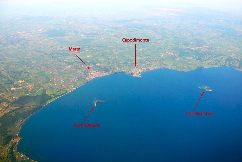 Lago di Bolsena visto dall'aereo