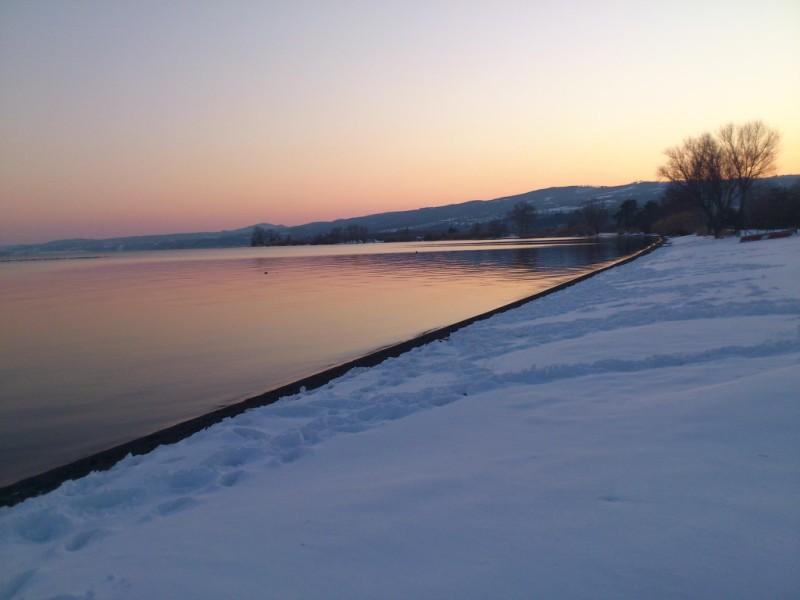 La neve sul lago di Bolsena