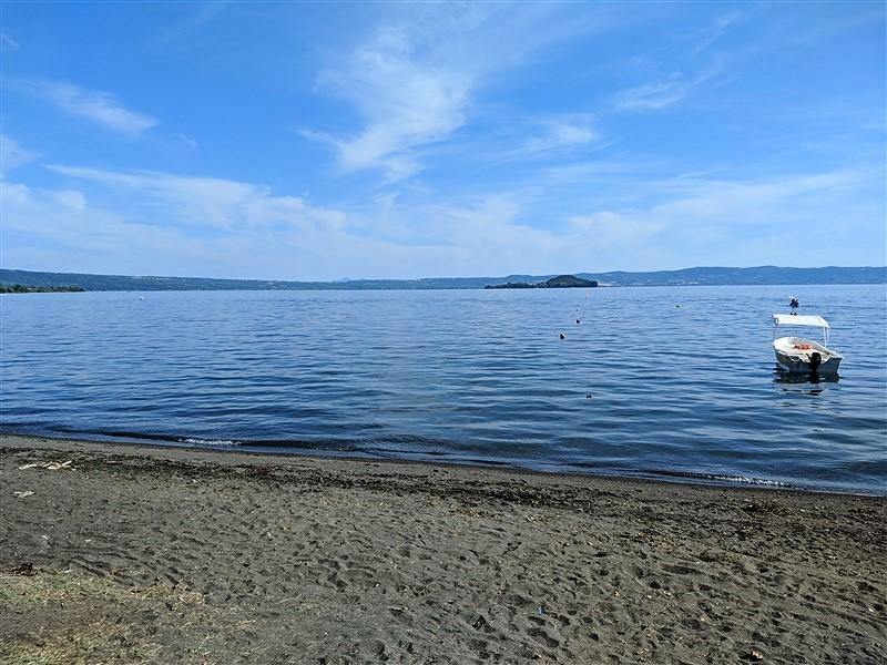 Spiaggia di Capodimonte sul lago di Bolsena
