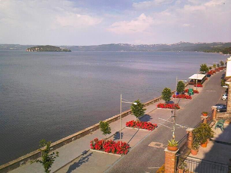 Lungolago di Marta (VT) sul lago di Bolsena