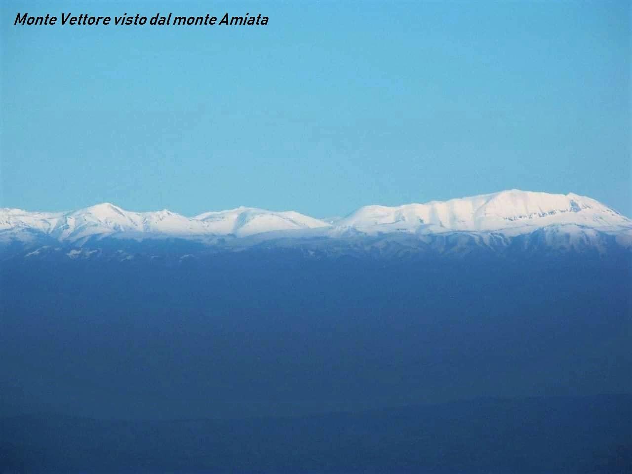 Il Vettore visto dal monte Amiata