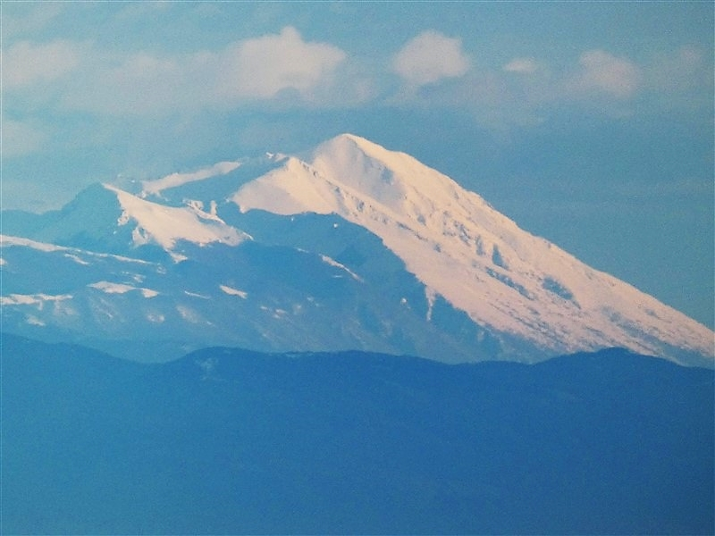 Il monte Velino visto dal monte Amiata