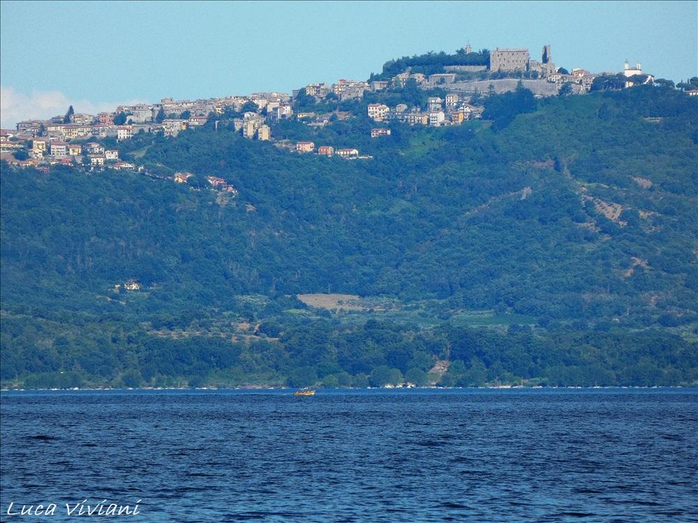 Montefiascone (VT) con il lago di Bolsena