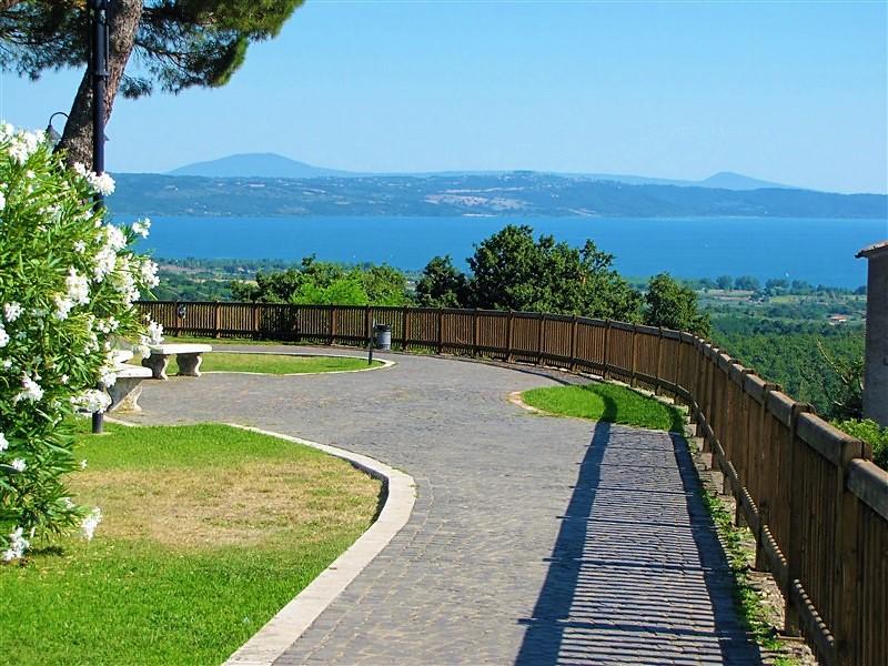 San Lorenzo Nuovo, panorama sul lago di Bolsena e isola Bisentina