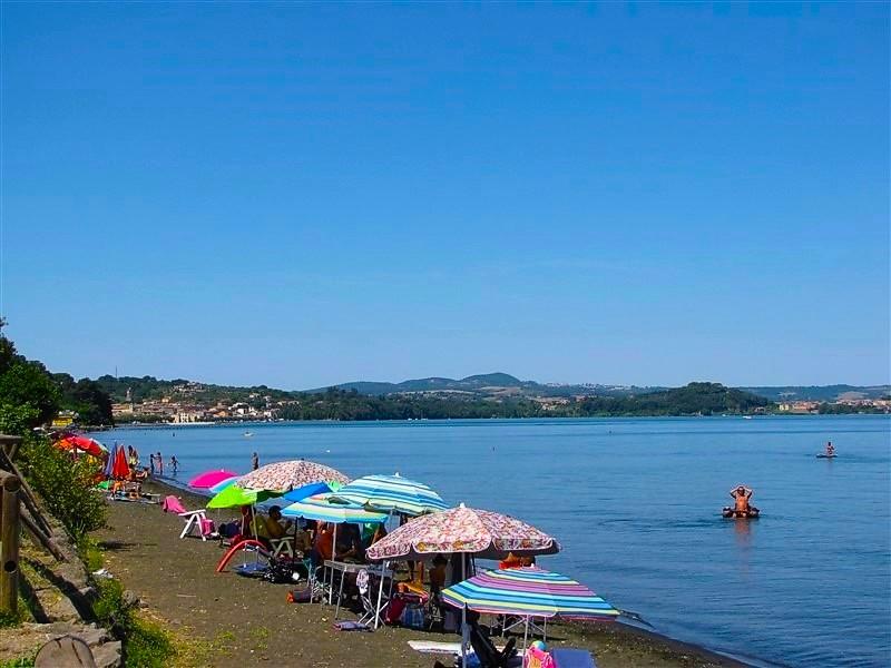 Spiaggia di Marta sul lago di Bolsena