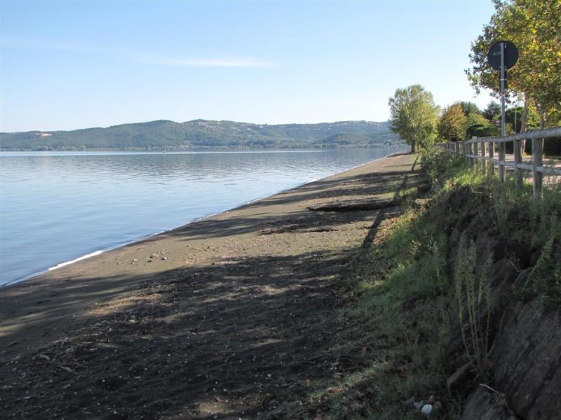 La spiaggia di marta sul lago di bolsena meteo - Lago di bolsena dove fare il bagno ...
